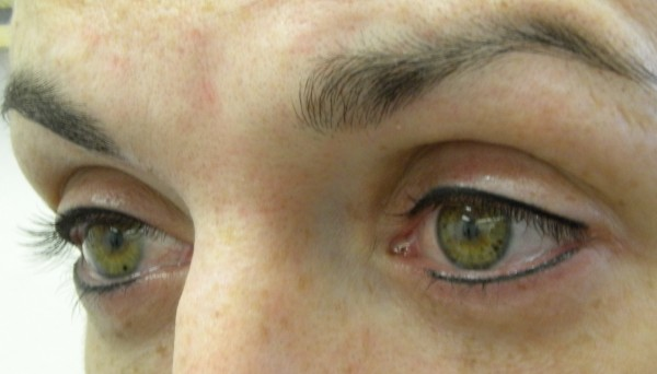 New eyeliner close up